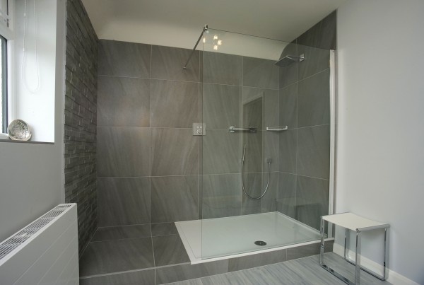 Customer Testimonial - Mr & Mrs Amos - Bathroom