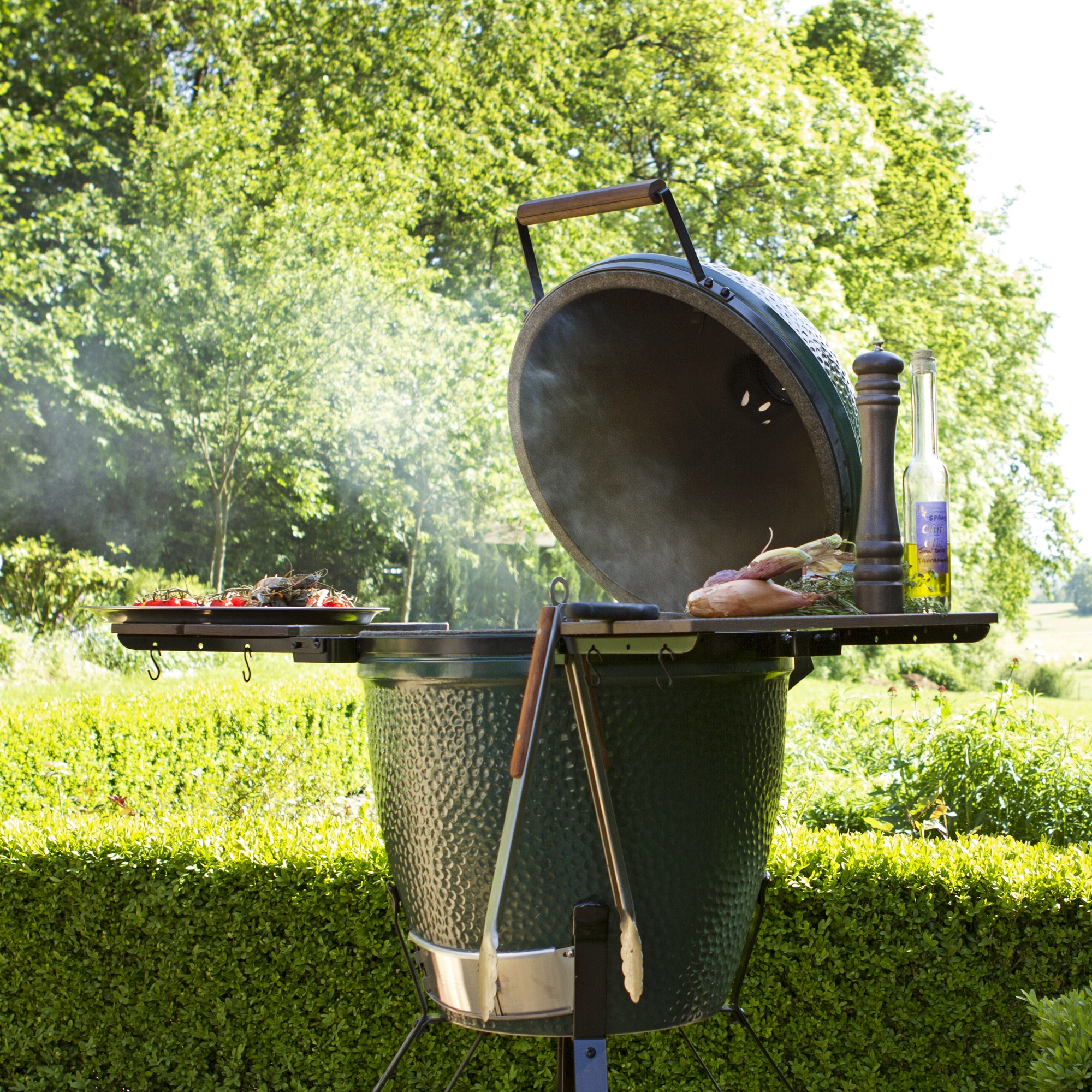 An image of Big Green Egg Large Premium Bundle