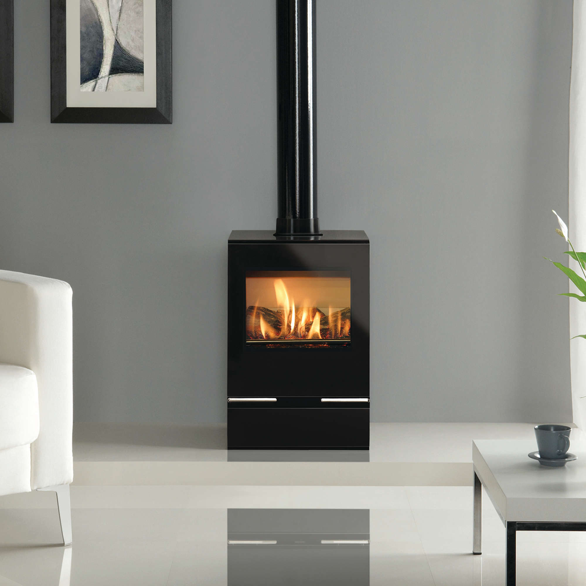 An image of Gazco Vision Midi Gas Stove - Balanced Flue - Natural Gas - Standard Remote