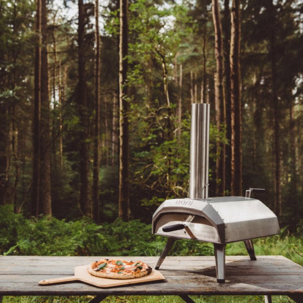 Ooni Karu Wood & Charcoal Fired Portable Pizza Oven