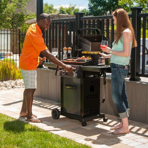Broil King BBQ - Monarch 340 - With Powerful Side Burner And Limited Lifetime Guarantee