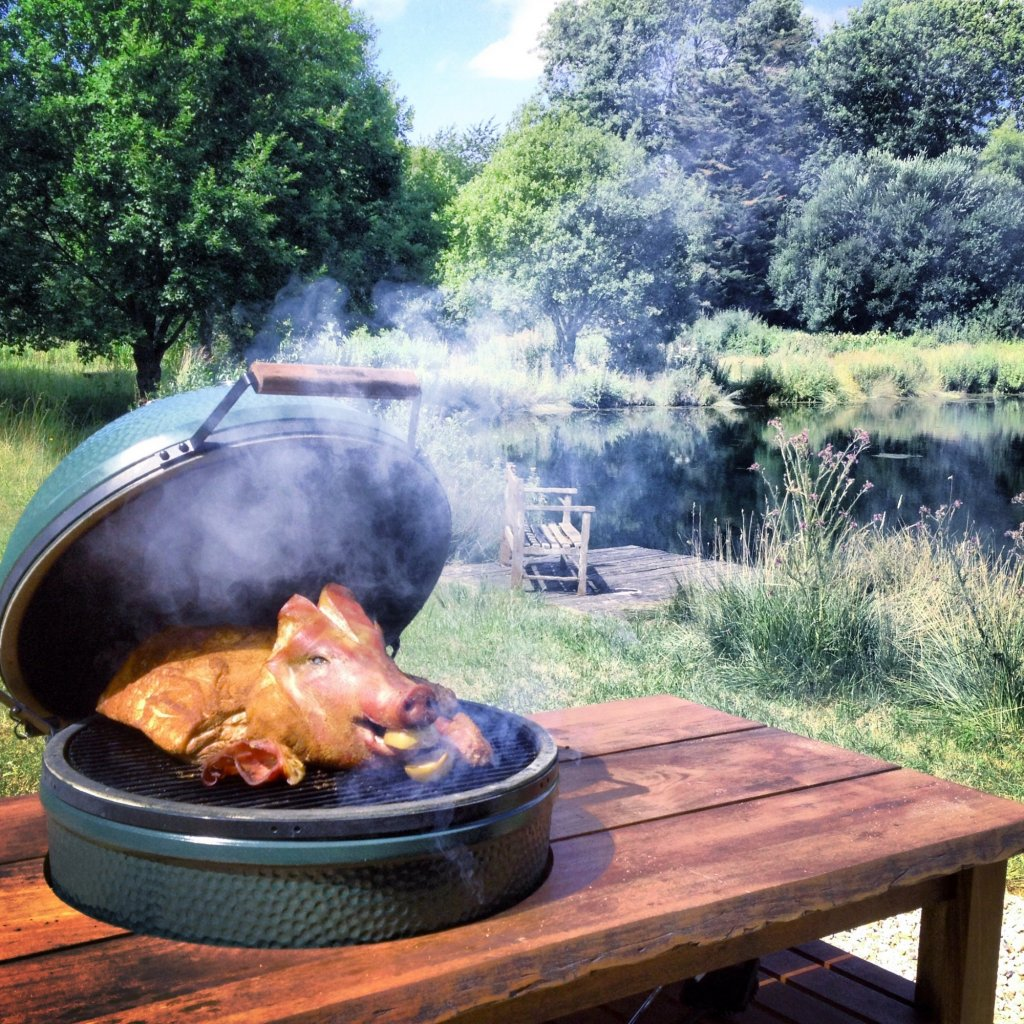Big Green Egg - XL BBQ Mahogany Table Bundle