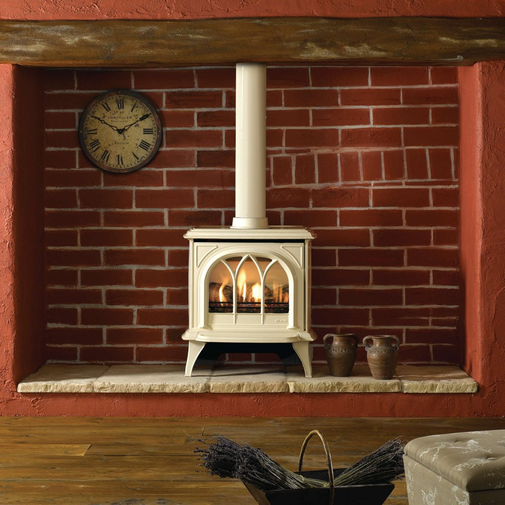 Gazco Stoves - Huntingdon 30 Gas, Ivory Enamel / Matt Ivory Conventional Flue, With Fuel Effect, Remote Control And Door Option